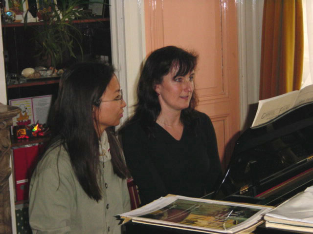 Anne Ku with Heleen Verleur, sightreading duets in Amsterdam, 2001